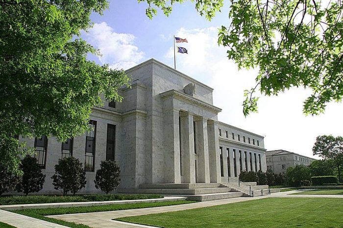 commercial loan delinquency FED Reports